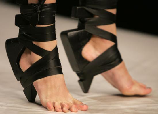 Foto Yang Membuktikan Kita Tidak Akan Bisa Mengerti Dengan Yang Namanya Fashion